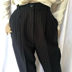 VINTAGE High waisted pleated front pinstriped pant